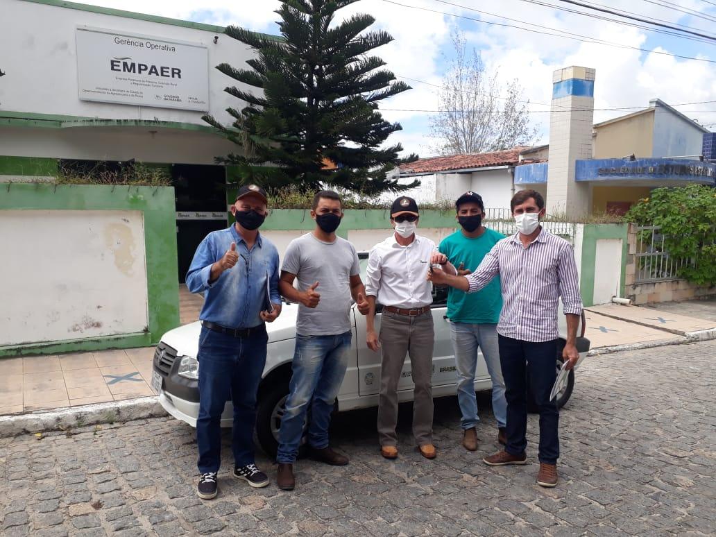 Prefeitura Municipal firma parceria com a EMPAER para concessão de veículo a secretaria de desenvolvimento rural e pecuária