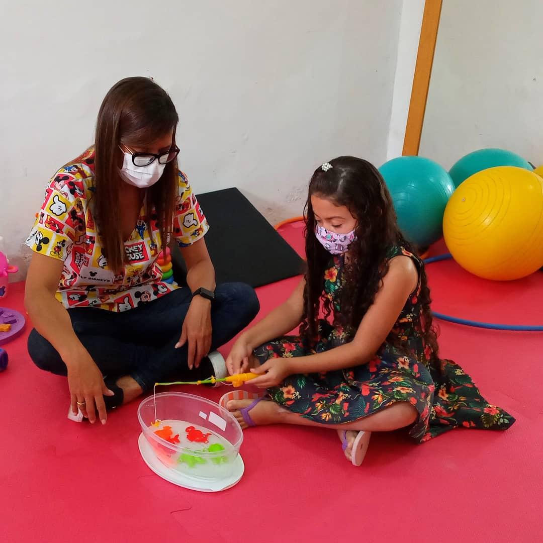 Gestão municipal cria espaço pediátrico na clínica de fisioterapia